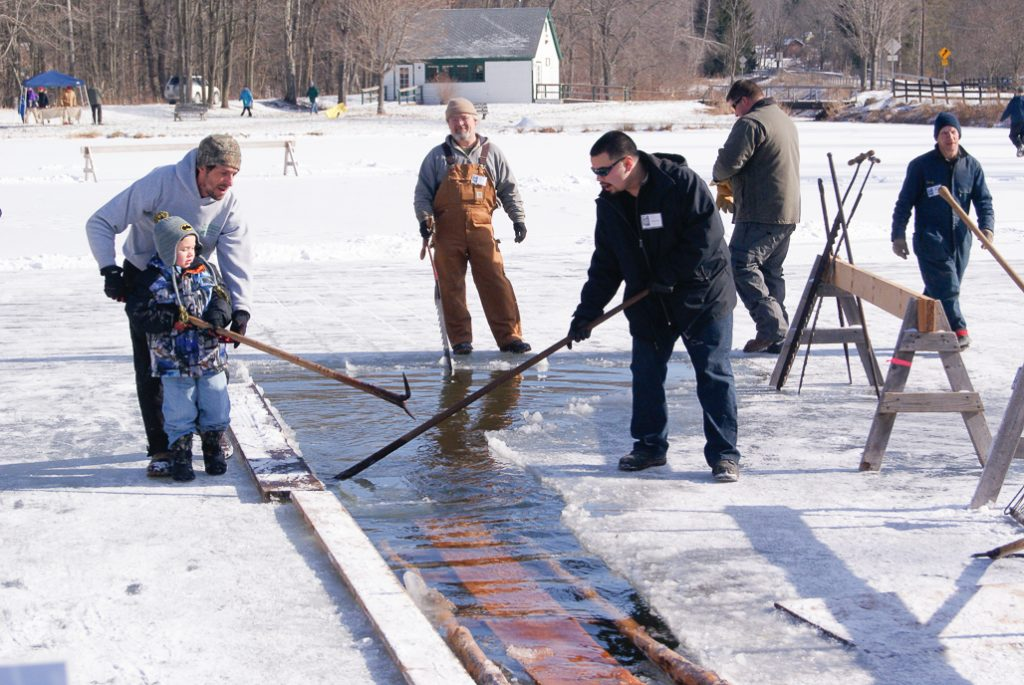 Using pike hooks to maneuver ice